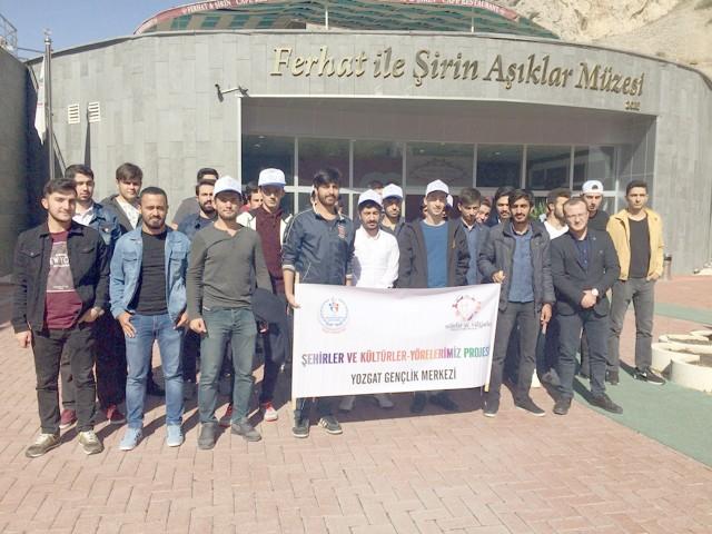 Yozgatlı gençler, Çorum Amasya ve Samsun'u gezdi