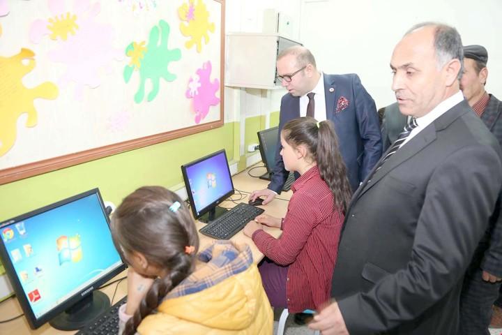 Sarıfatma köy okuluna  teknoloji sınıfı