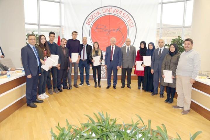 Öğrencilere başarı belgeleri verildi