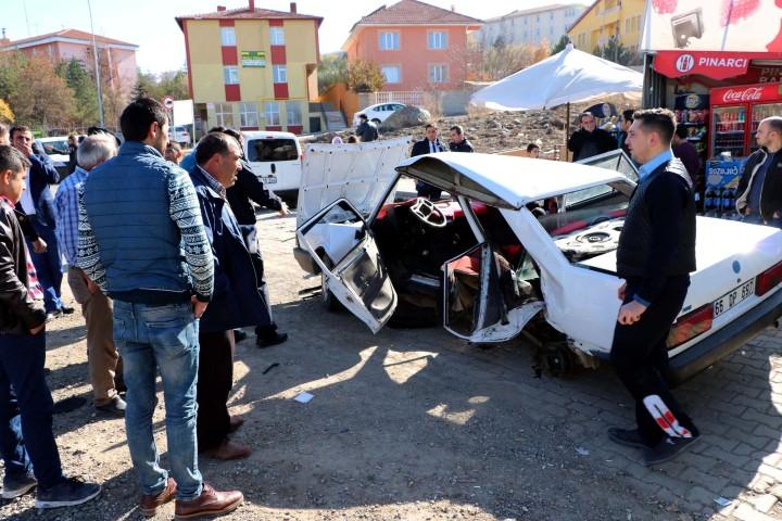 Trafik kazasında 1 kişi öldü, 3 kişi yaralandı