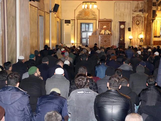 Mevlit Kandili'nde  camiler dolup taştı