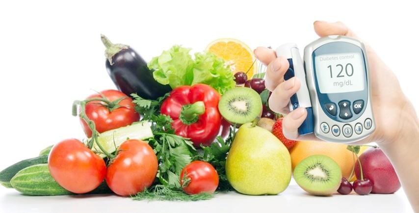 Yeni yıl için sağlıklı  vücut için beslenmede kalıcılık uyarısı