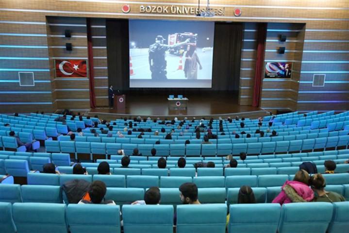 15 Temmuz konulu konferans düzenlendi