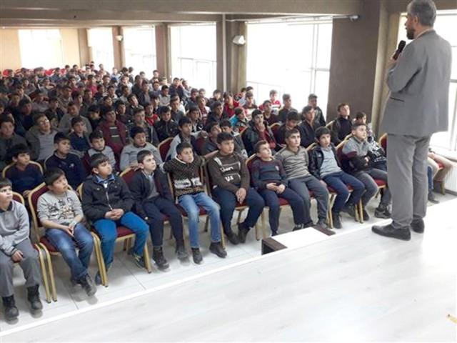 Öğrencilere madde bağımlılığıyla mücadele semineri