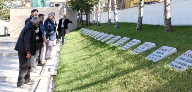 Sarıkaya Kızılelma Şehitlik Anıtı'na ziyaretçi akını
