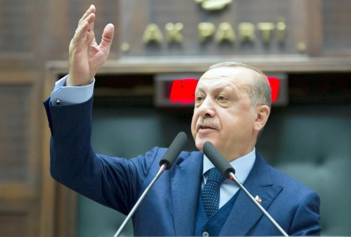 Erdoğan: Yanlarında kimin olduğuna bakmaksızın  teröristlerin üzerine gitmeye devam edeceğiz