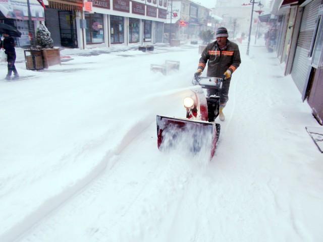 Kar yağışı Yozgat'ı esaret altına aldı