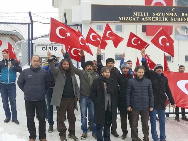 Vatan sevdalıları Afrin'e gitmek için Askerlik Şubesine dilekçe verdi