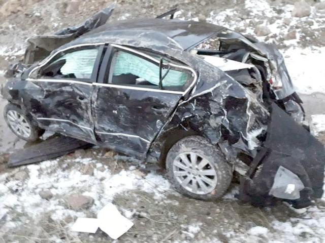 Sorgun'da otomobil  devrildi 4 kişi yaralandı