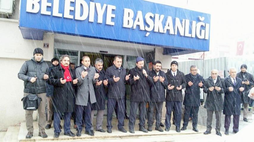 Sendika temsilcileri Afrin'deki askerler için dua etti