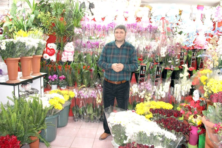 Çiçekçiler Sevgililer Gününe Hazır