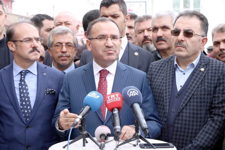 Bozdağ: Türk ismini taşımaya layık  olmayanlara karşı sessiz kalamayız