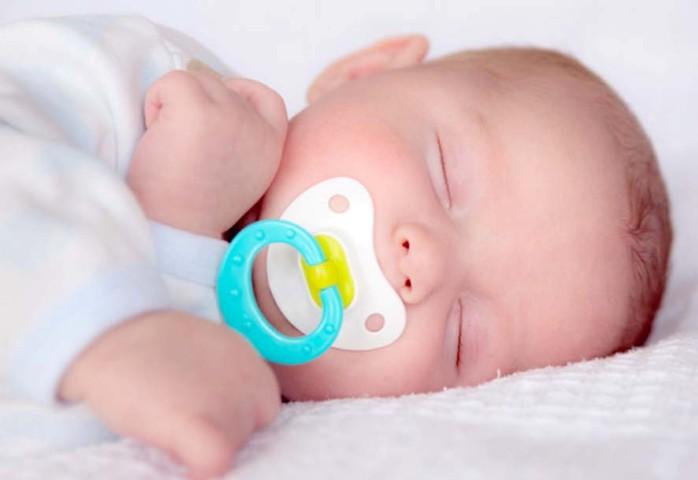 Bebeklerde emzik uygunluğuna dikkat