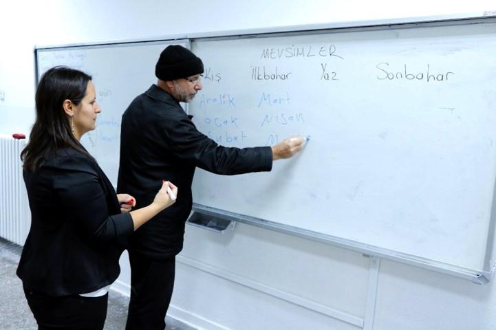 Yazıcı: Göçmenlere yönelik Türkçe  Öğretim Kursları devam ediyor