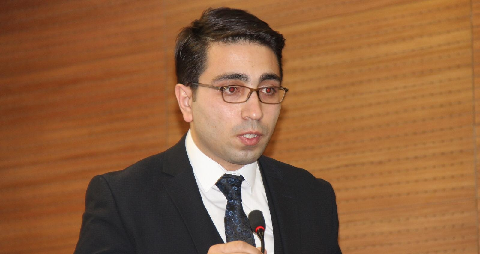 Taşdemir: Her zaman demokrasinin yanındayız
