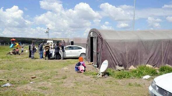 Tarım işçileri çadır evlere yerleşti