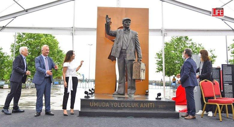 """""""Umuda Yolculuk Anıtı"""" İstanbul'da açıldı"""