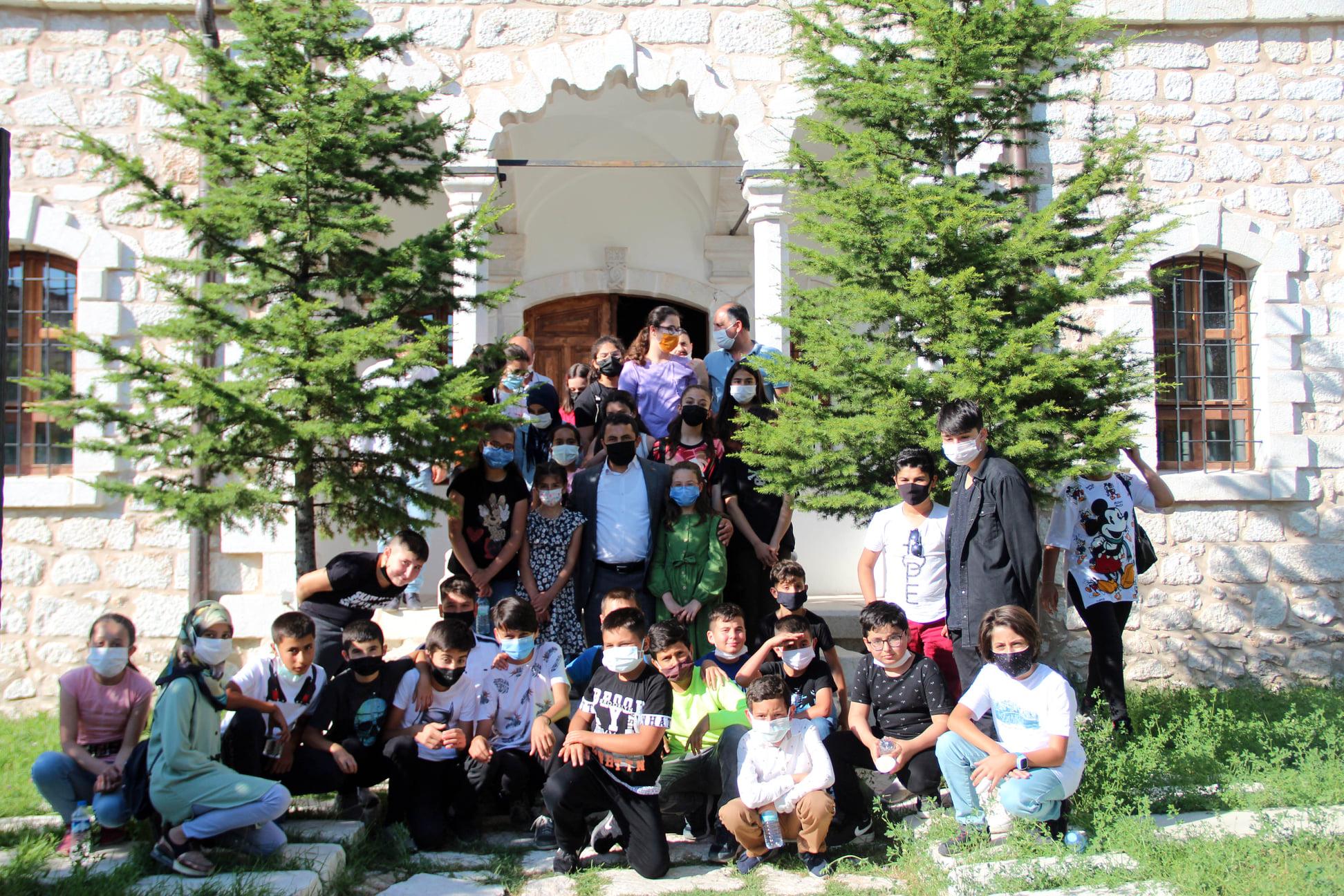 Başkan Yalçın öğrencileri misafir etti