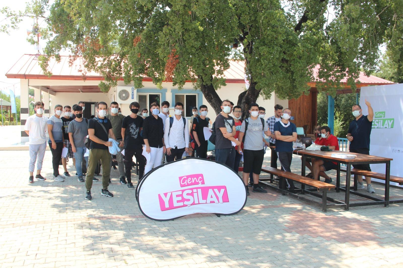 Genç Yeşilay gönüllüleri bir araya geldi