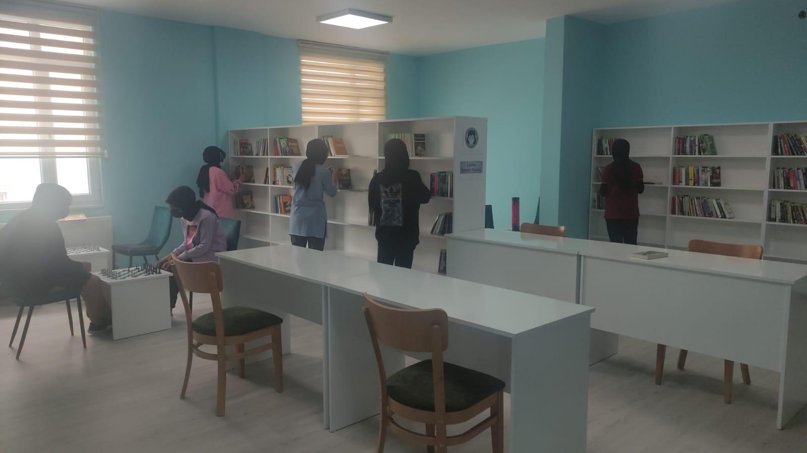 Kadışehri Halk Kütüphanesi Açıldı